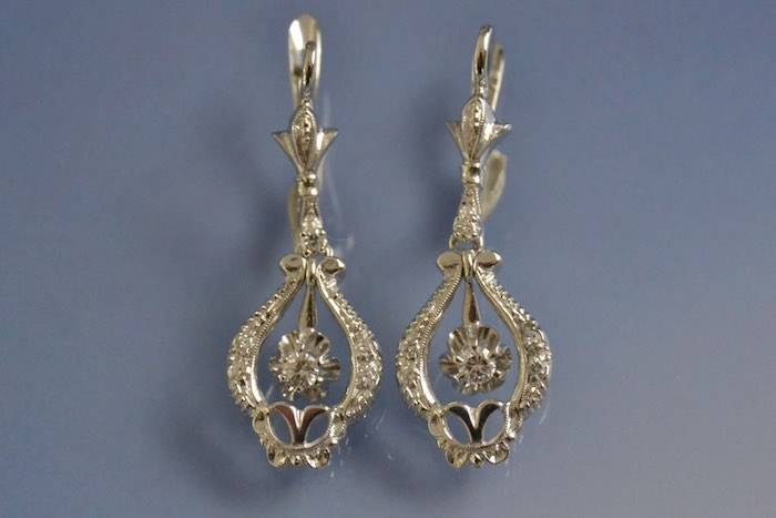 Boucles d'oreilles anciennes diamants