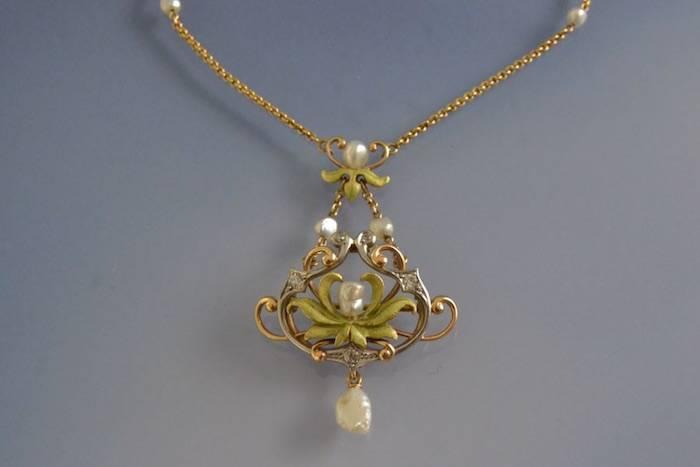 Collier art nouveau émail diamants et perles
