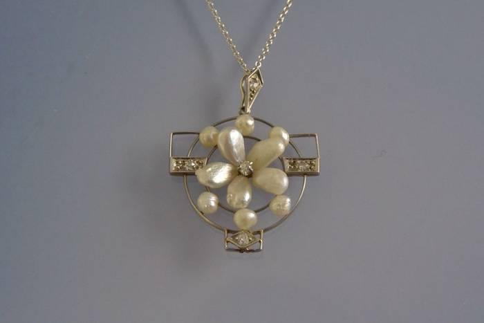 Collier et pendentif Art déco perles et diamants