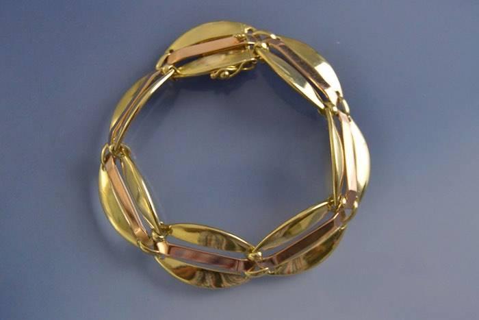 Bracelet ancien à motifs ovals