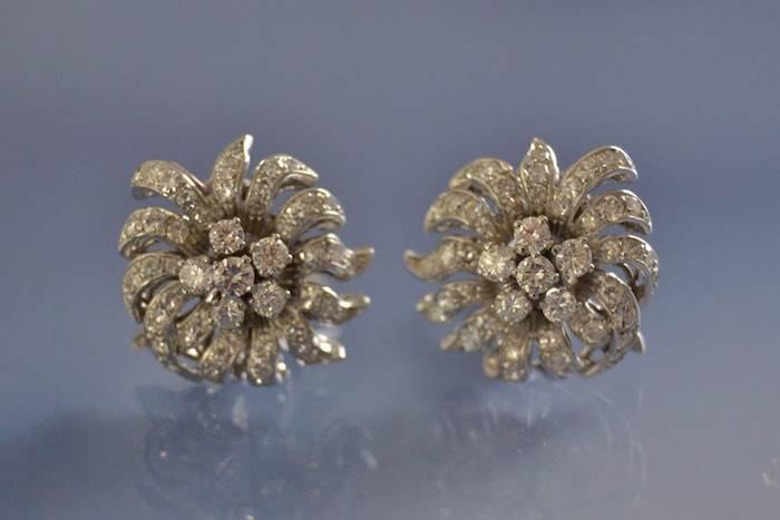Clips d'oreilles diamants