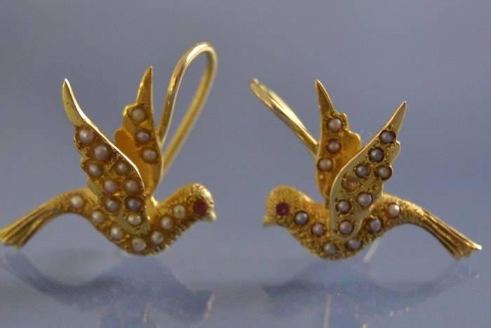 Boucles d'oreilles anciennes perles fines