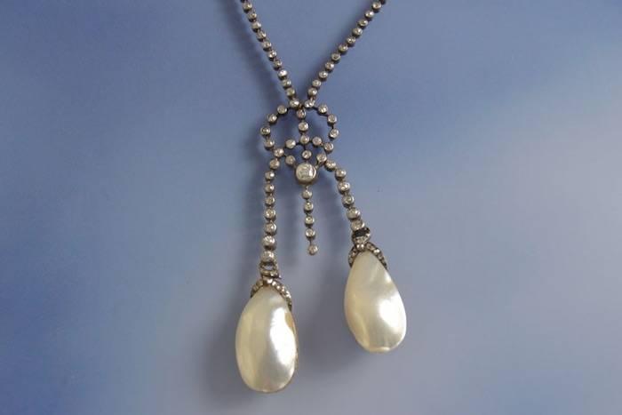 Collier ancien soufflures de perles et diamants