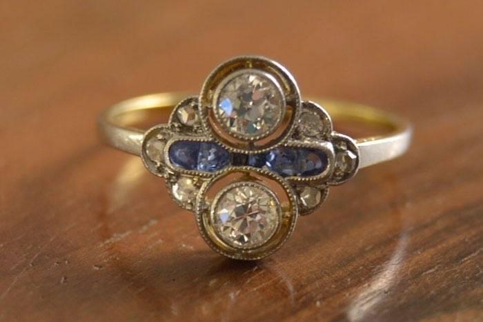 Bague Art déco saphirs et diamants