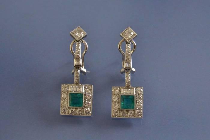 Boucles d'oreilles anciennes émeraudes et diamants
