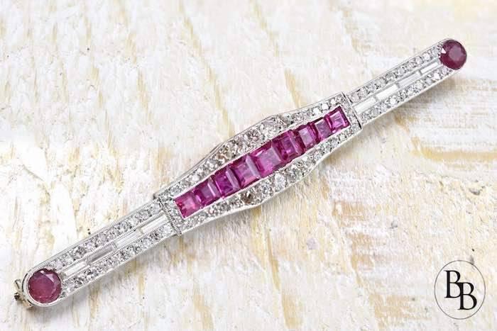 Broche Art déco rubis et diamants