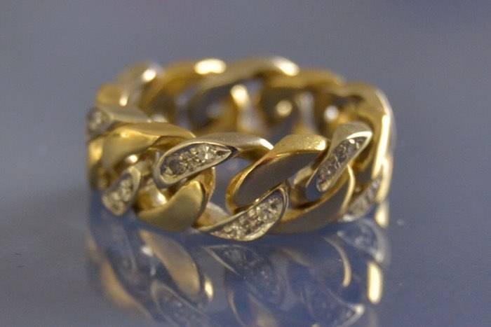 Alliance chaine en or massif et diamants
