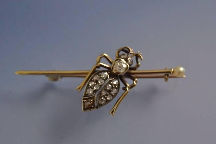 Broche ancienne ''Insecte'' diamants