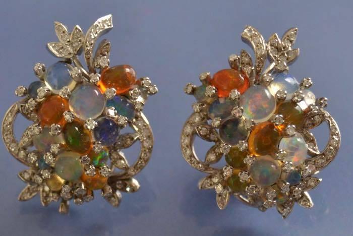 Boucles d'oreilles diamants et pierres fines