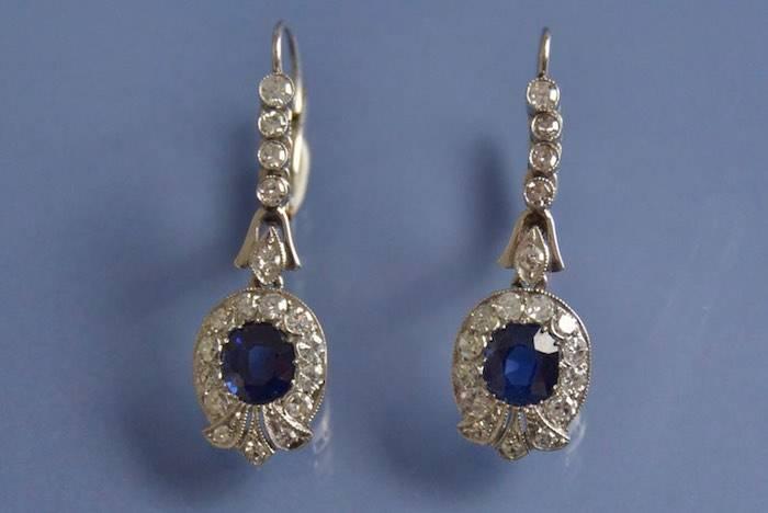 Boucles d'oreilles Art déco saphir et diamants