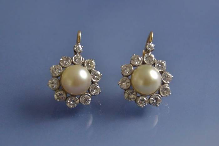 Boucles d'oreilles perles et diamants