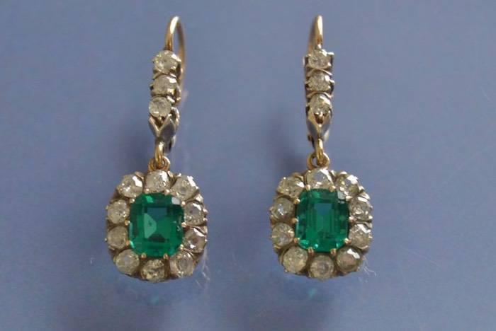 Boucles d'oreilles anciennes verre et diamants