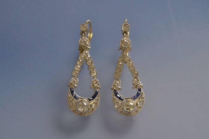 Boucles d'oreilles Art déco saphirs diamants