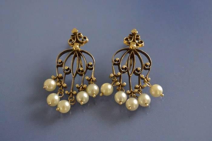Boucles d'oreilles perles sur or jaune 18k
