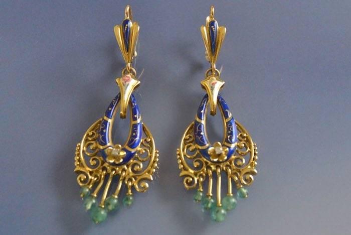 Boucles d'oreilles émail émeraudes et diamants