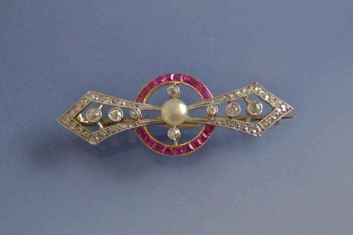 Broche Art déco perle rubis et diamants