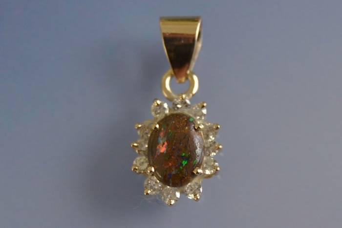 Pendentif opale boulder et diamants