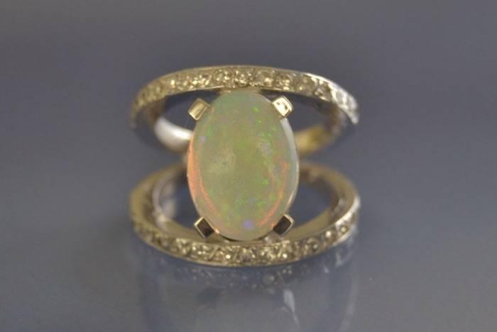Bague opale et diamants