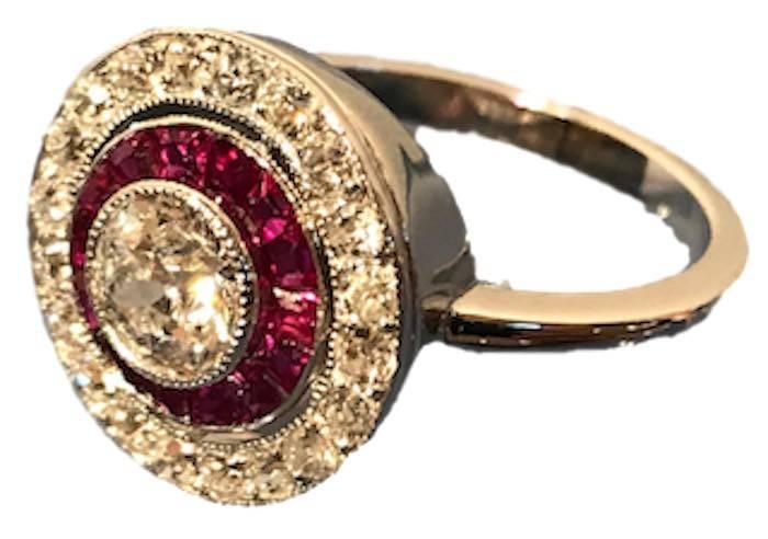 Bague Art Déco diamants rubis