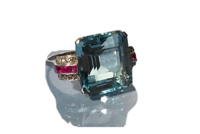 Bague aigue-marine, rubis et diamants