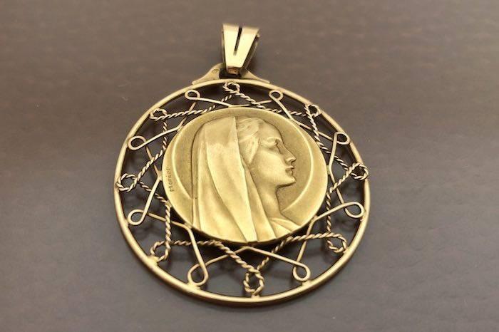 Médaille de la vierge en or de 18k