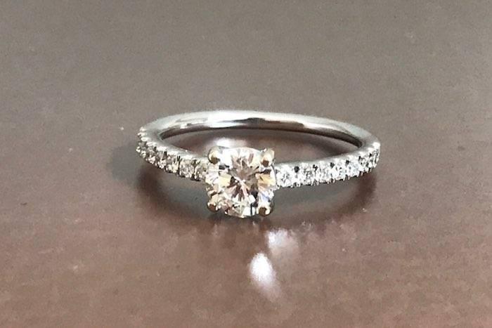 bague solitaire diamants en or 18k