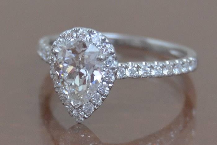 Bague diamant poire extra blanc de 1,19cts