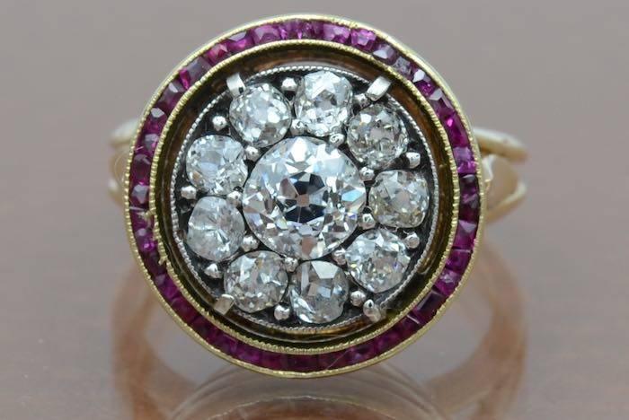 Bague diamants et saphirs en or 18k