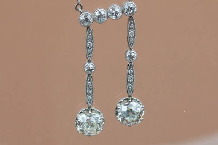 Pendentif négligé diamants en platine