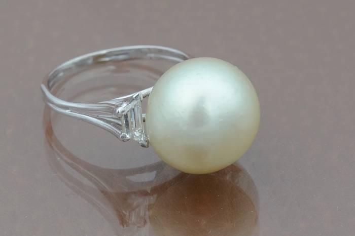 Bague perle de culture et diamants en or 18k