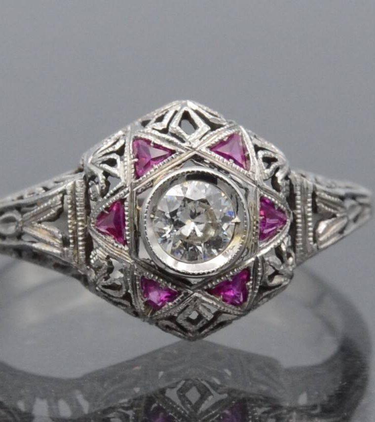 Bague diamants et rubis en or 18k