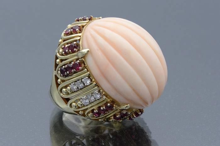 Bague corail, rubis et diamants en or 14k