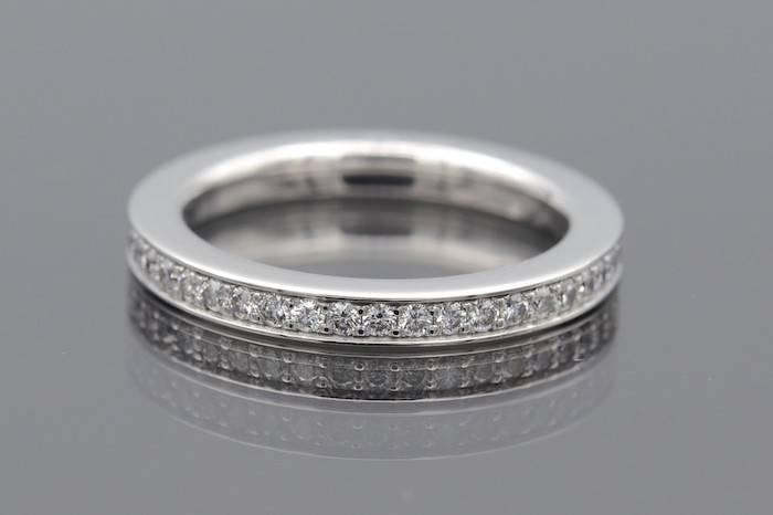 Alliance diamants en or 18k