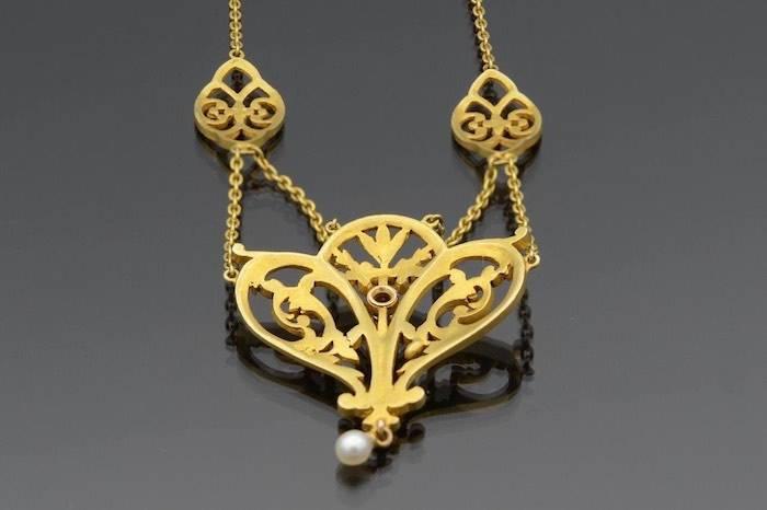 Collier Art Nouveau perle et rubis