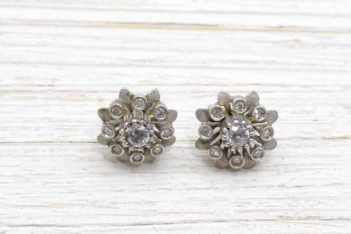 Boucles d 'oreilles diamants en or blanc