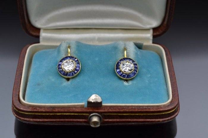 Boucles d'oreilles Art Déco diamants et saphirs