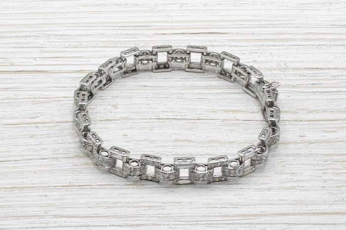 Bracelet Art Déco 1930 en platine serti de diamants