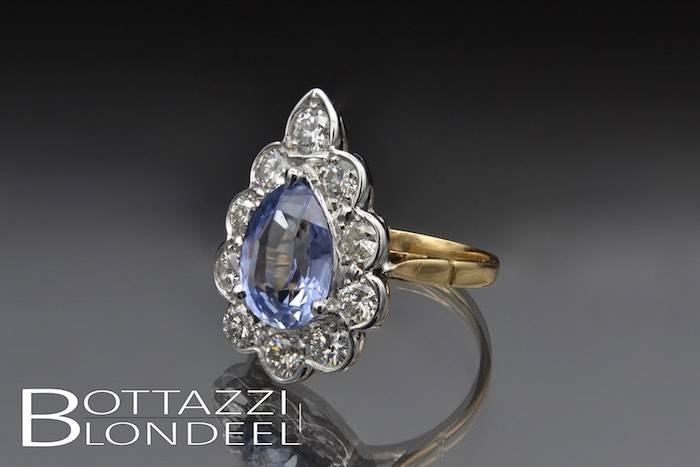 Bague saphir poire de Ceylan et diamants