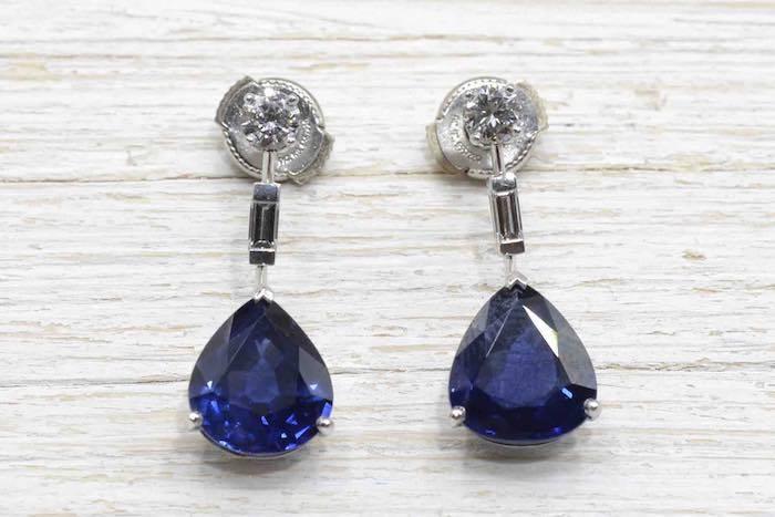 Boucle d'oreilles saphirs diamants en or blanc 18k
