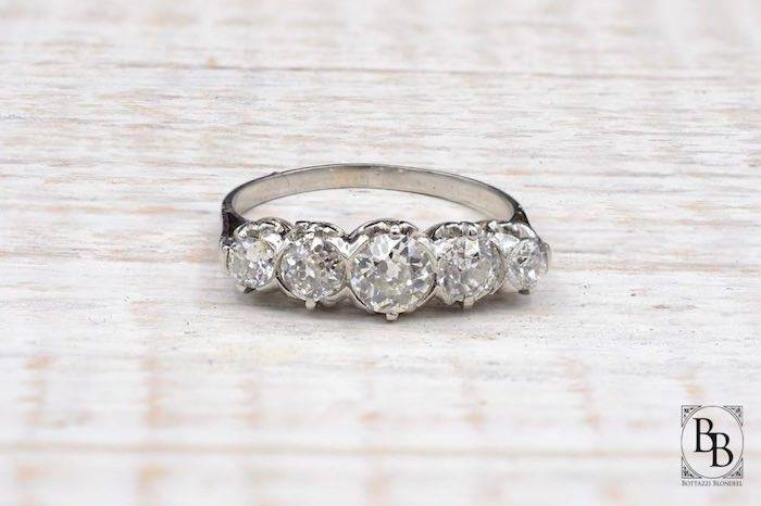 Bague ancienne jarretière diamants d'occasion