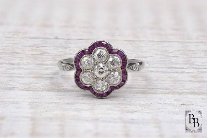 Bague Art Déco ancienne rubis et diamants