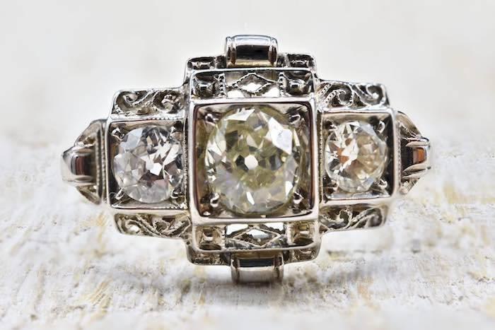 Bague 1920 Art Déco diamants en platine