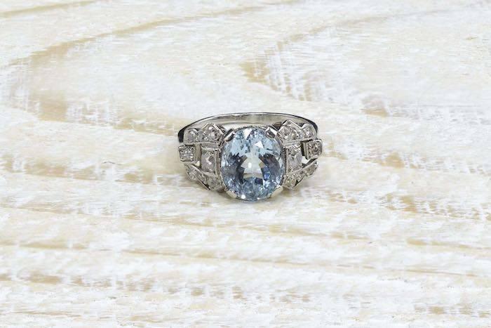 Bague Art Déco aigues-marines diamants en platine