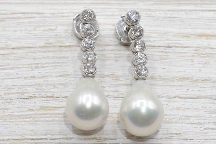 Boucles d'oreilles diamants et perle en platine