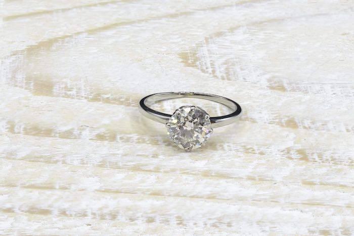 Bague solitaire diamant de 1,50 carat en platine