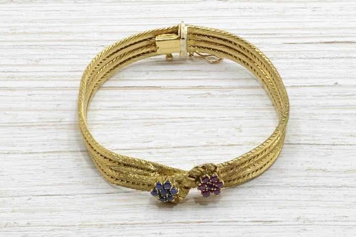 Bracelet des années 1970 saphirs et rubis en or jaune 18k