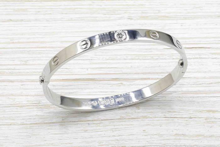 Bracelet Cartier Love en or blanc 18k