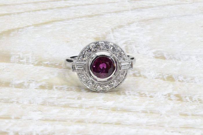Bague rubis et diamants en or blanc 18k