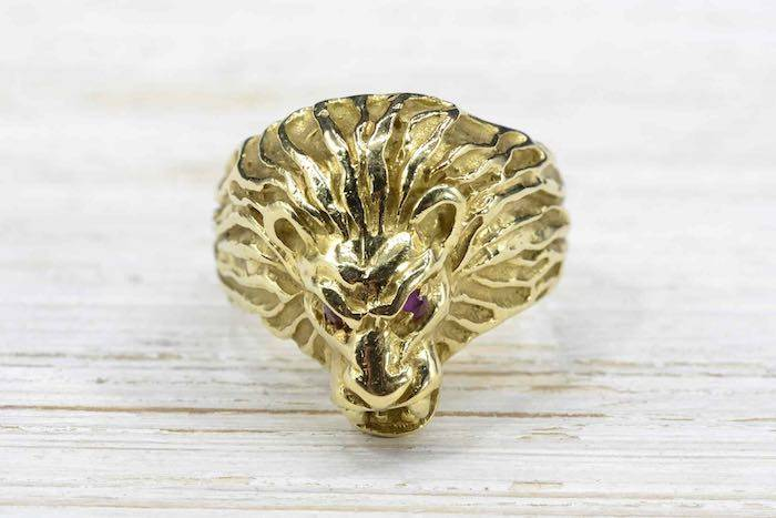 Bague Lion rubis en or jaune 18k