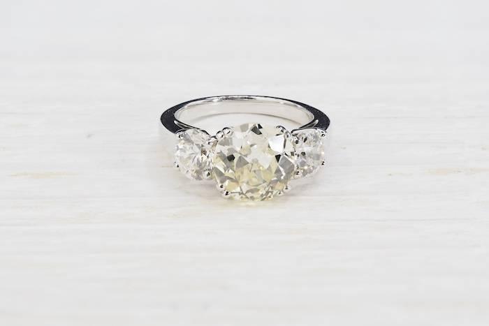 Solitaire trilogie diamants en or 18K